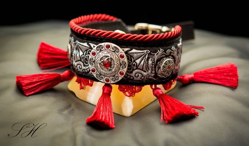 "Halsband ""Red Dragon"""